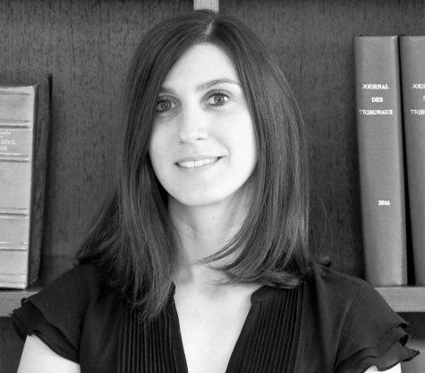 Photo en noir et blanc de l'avocat Amélie Adam