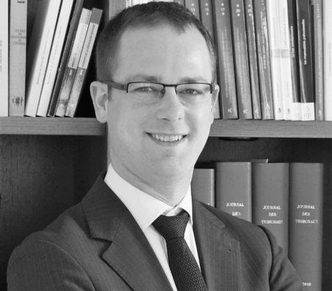 Photo en noir et blanc de l'avocat Aurélien Bortolotti