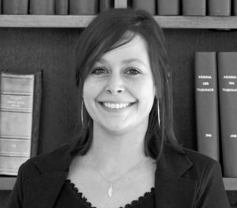 Photo en noir et blanc de l'avocat Jessica Iadanza