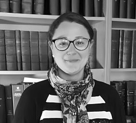 Photo en noir et blanc de l'avocat Alixane MADENSPACHER